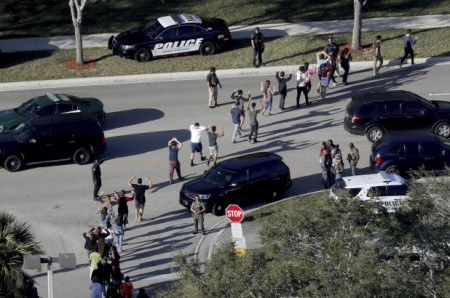 florida-school-shooting-cops-behind-cars2