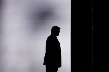 07-trump-silhouette.w710.h473